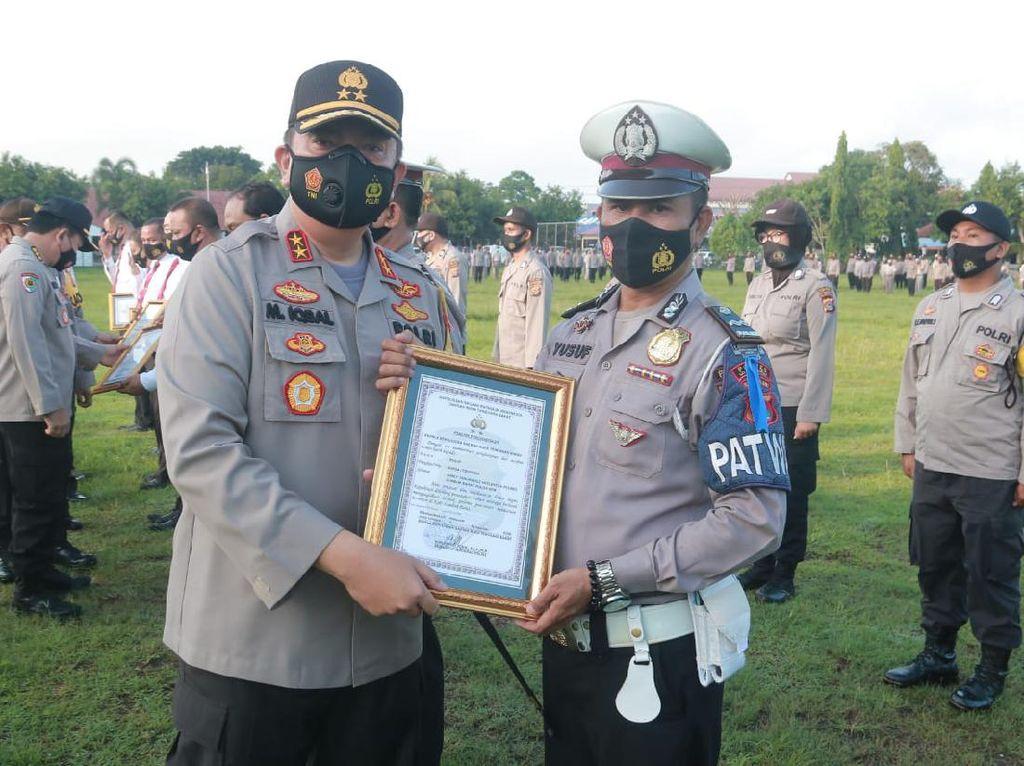 Kapolda NTB Beri Penghargaan ke Polisi yang Tendang Pelaku Curanmor
