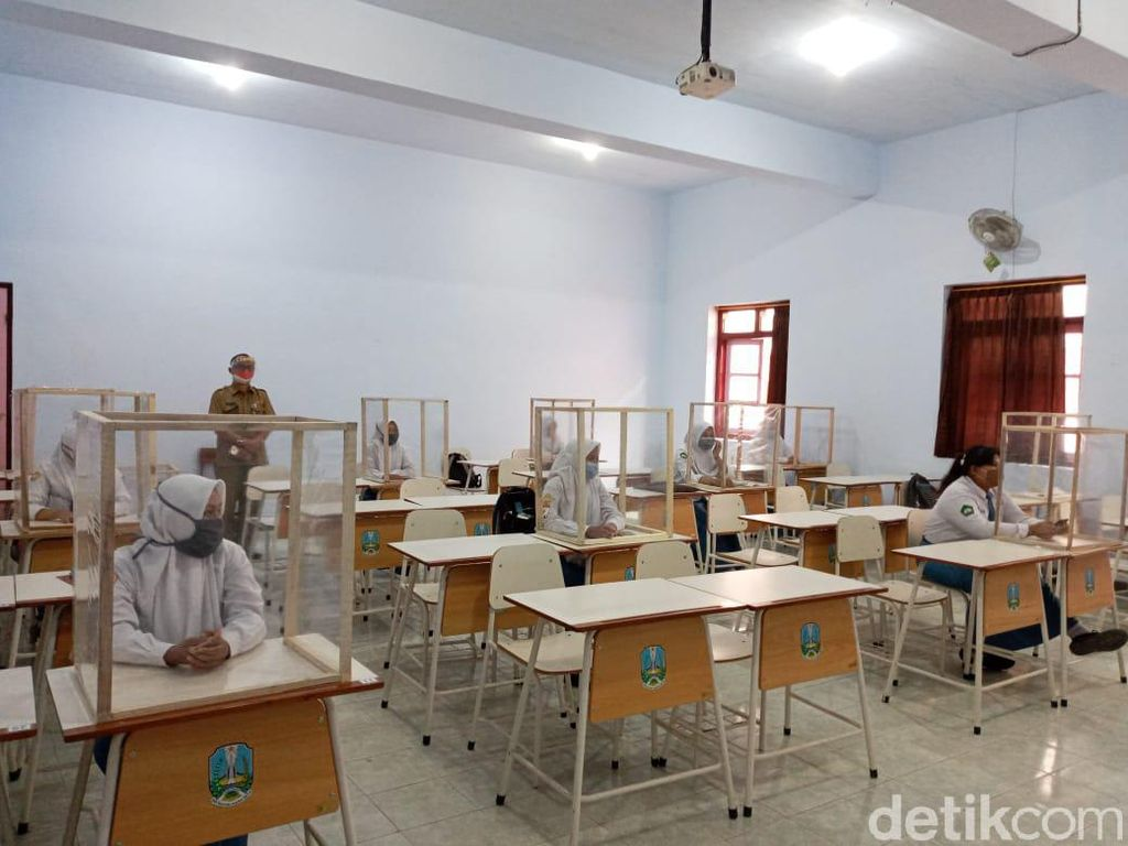 Naik Status ke Zona Oranye, Sekolah Tatap Muka di Kota Blitar Dibatalkan