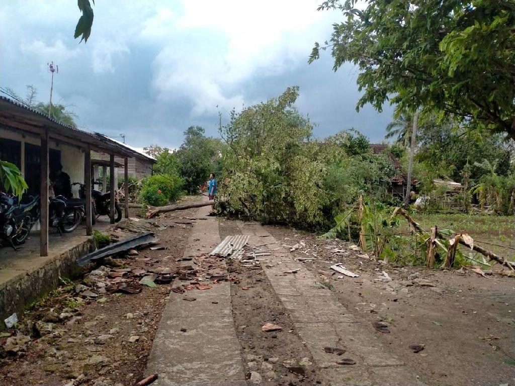 Hujan-Angin Kencang di Gunungkidul, Puluhan Rumah Rusak