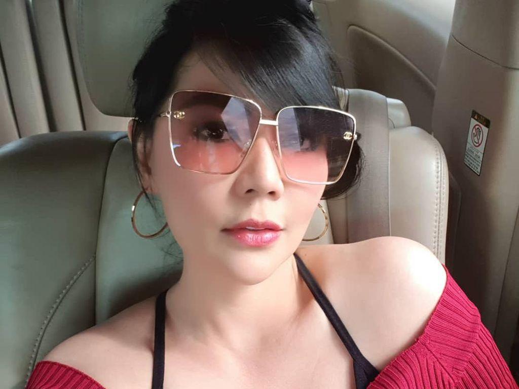 Tessa Kaunang Pamer Foto Menantang, Tetap Seksi di Usia 44 Tahun