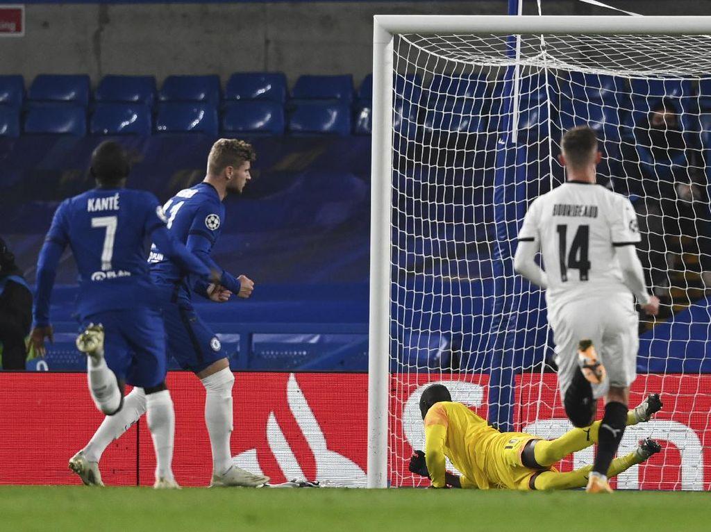 Babak I: Dua Penalti Werner Antar Chelsea Ungguli Rennes 2-0