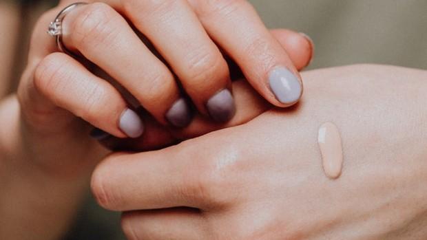 ilustrasi: foundation yang tepat adalah yang sesuai dengan undertone kulit