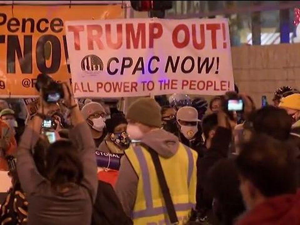 Warga Chicago Turun ke Jalan, Minta Trump Terima Hasil Pilpres
