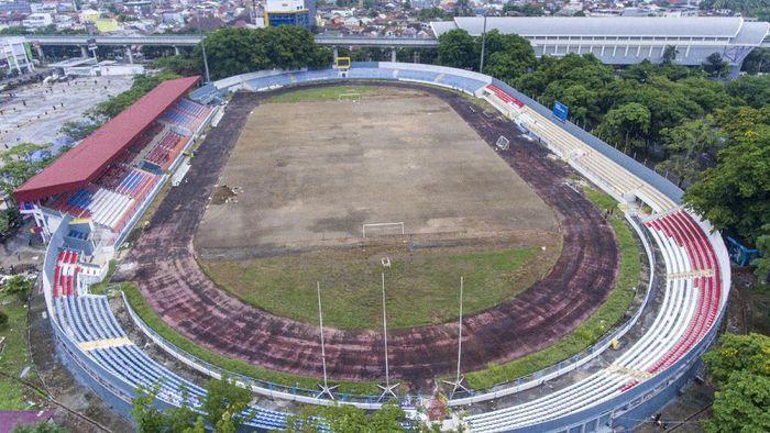 Stadion Madya Bumi Sriwijaya Palembang dan Stadion Sidolig di Bandung tengah bersolek jelang penyelenggaraan Piala Dunia U-20 pada 2021. Yuk, lihat progresnya.