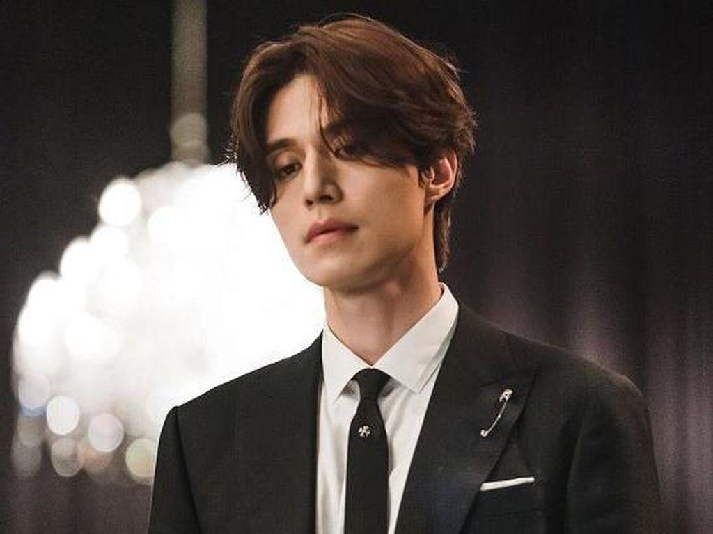 Lee Dong Wook hingga Rain Terpilih Sebagai Men of the Year Korea