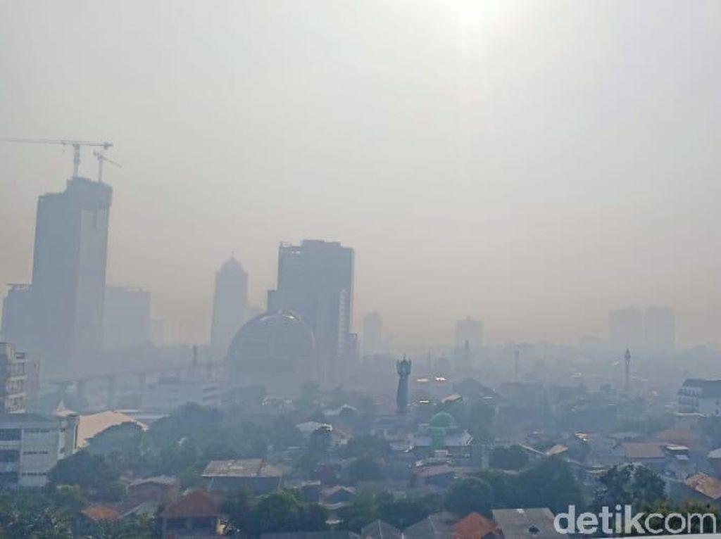 Kabut Pagi Hari di Jakarta Bukan Polusi tapi Inversi