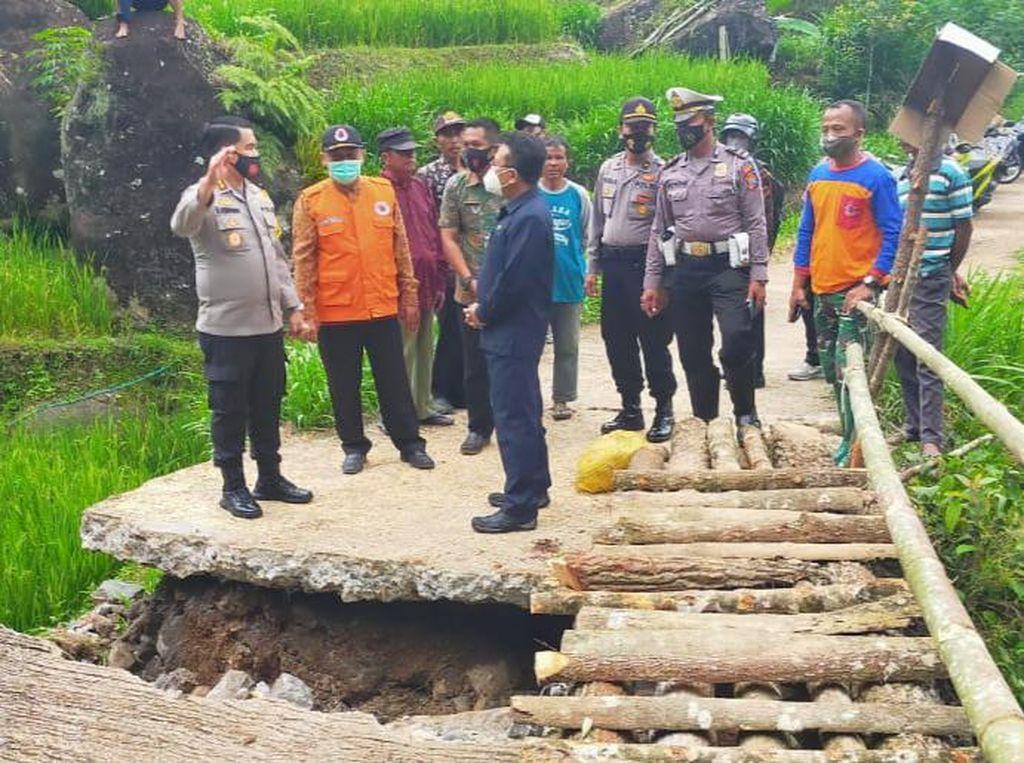 Warga Munjungan Kritisi Pjs Bupati Trenggalek yang Tak Tengok Korban Bencana