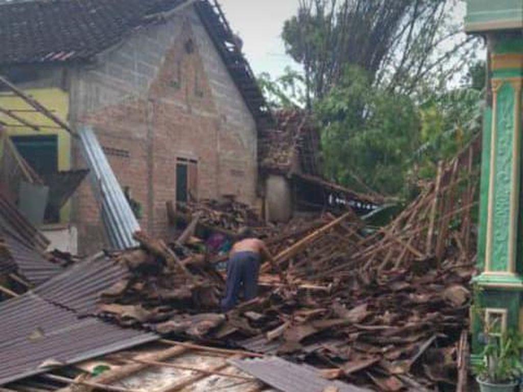 Hujan Angin Terjang Gunungkidul, Puluhan Rumah Rusak