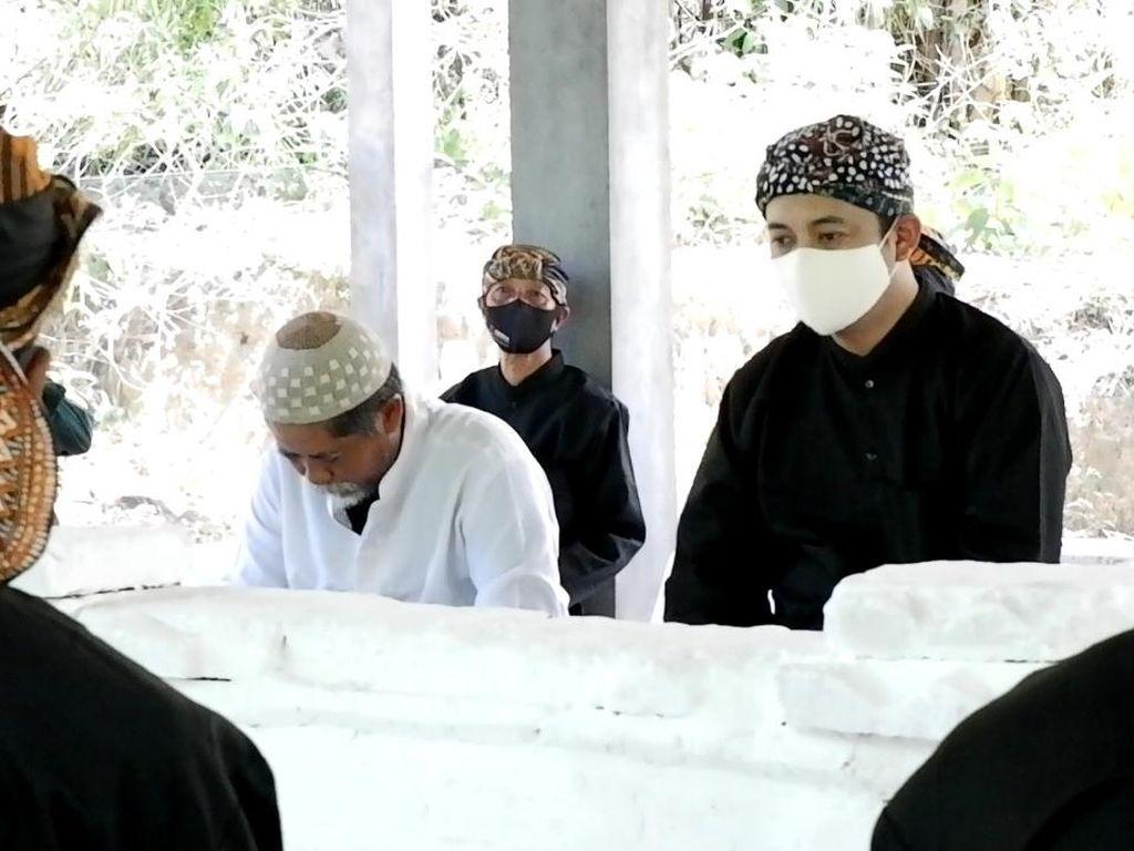 Cawabup Rembang Bayu Andriyanto Napak Tilas ke Makam Sunan Bonang