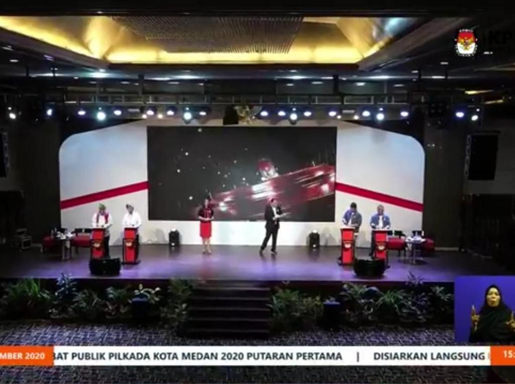 Saling Sindir Akhyar-Bobby di Debat Perdana Pilwalkot Medan