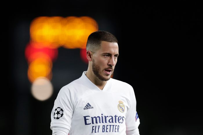 MADRID, SPAIN - NOVEMBER 03: Eden Hazard of Real Madrid CF reacts during the UEFA Champions League Group B stage match between Real Madrid and FC Internazionale at Estadio Santiago Bernabeu on November 03, 2020 in Madrid, Spain. (Photo by Gonzalo Arroyo Moreno/Getty Images)
