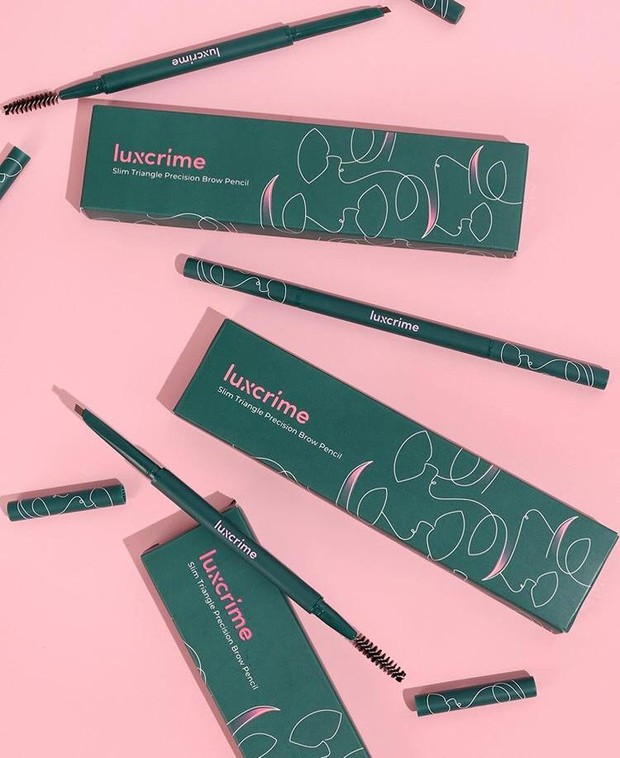 Luxcrime Slim Triangle Precision Brow Pencil/ sumber: instagram.com/ luxcrime_id