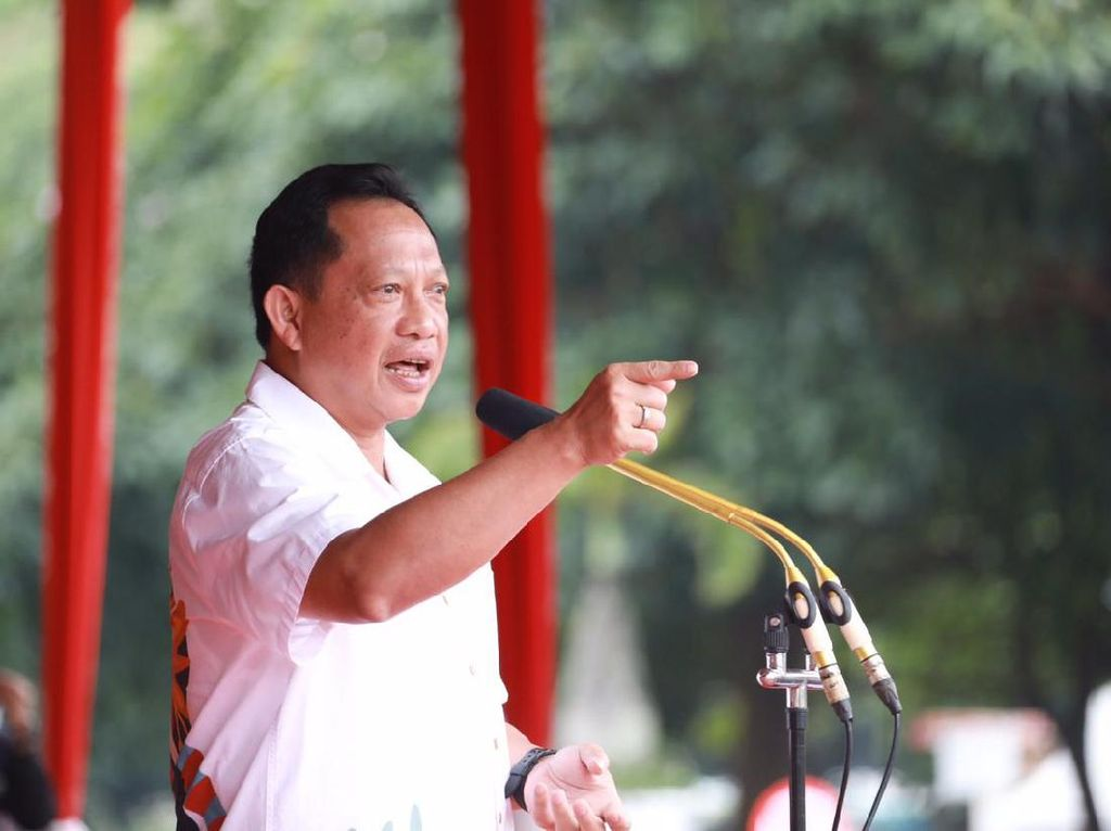 Mendagri Tito Keluarkan SE, Minta Kepala Daerah Antisipasi Potensi Bencana