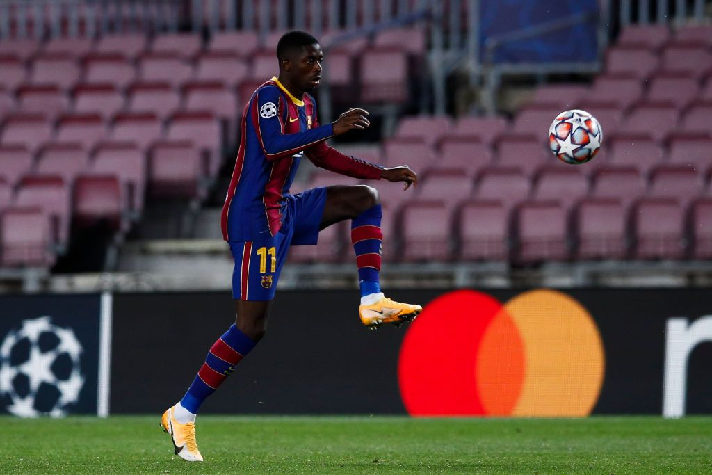 BARCELONA, SPAIN - NOVEMBER 04: Ousmane Dembélé of FC Barcelona controls the ball  during the UEFA Champions League Group G stage match between FC Barcelona and Dynamo Kyiv at Camp Nou on November 04, 2020 in Barcelona, Spain. (Photo by Eric Alonso/Getty Images)