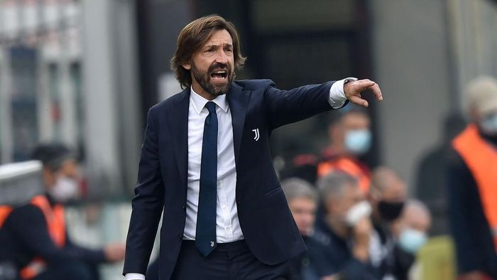 CESENA, ITALY - NOVEMBER 01:  Andrea Pirlo head coach of Juventus gestures during warm up prior the Serie A match between Spezia Calcio and Juventus at Dino Manuzzi Stadium on November 1, 2020 in Cesena, Italy.  (Photo by Giuseppe Bellini/Getty Images)
