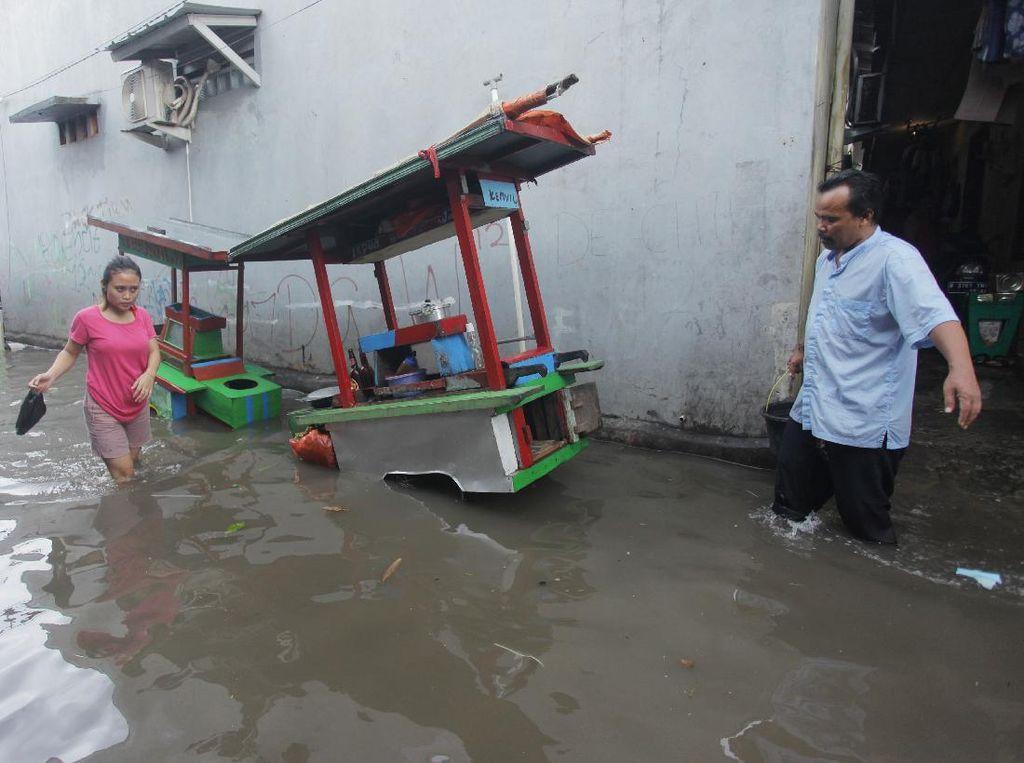 Hujan Makin Deras, Sudah Siapkan Uang Banjir?