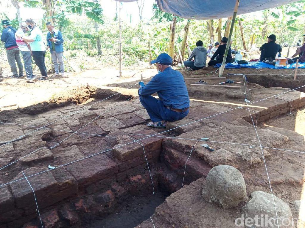 Situs Langlang Diduga Peninggalan Sebelum Masa Kerajaan Singosari