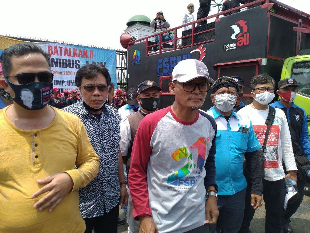 Buruh Tuntut DPR Gelar Paripurna Legislative Review UU Cipta Kerja