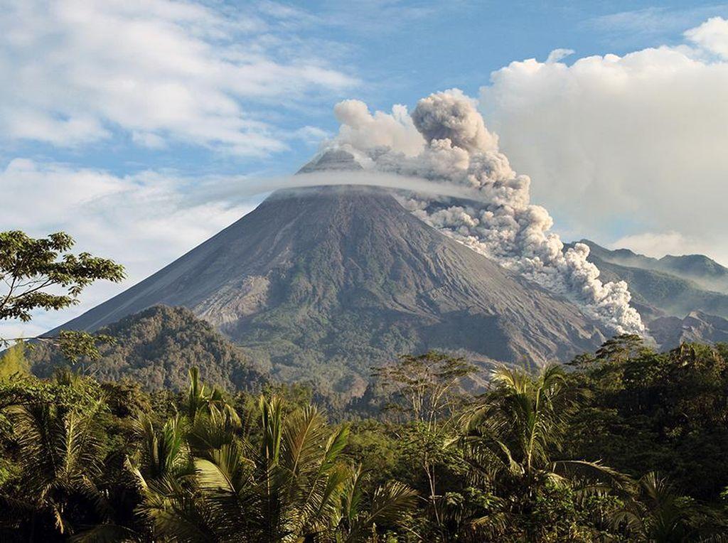 3 Cagar Biosfir UNESCO, Bunaken, Karimunjawa, dan Merapi yang Cantik