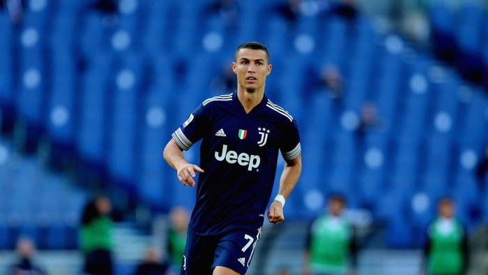 ROME, ITALY - NOVEMBER 08:  Cristiano Ronaldo of Juventus looks on during the Serie A match between SS Lazio and Juventus at Stadio Olimpico on November 8, 2020 in Rome, Italy.  (Photo by Paolo Bruno/Getty Images)