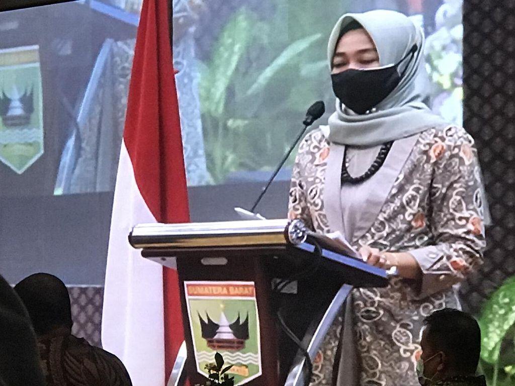 Yanuk Sri Mulyani Jadi Ketua KPU Perempuan Pertama di Sumbar