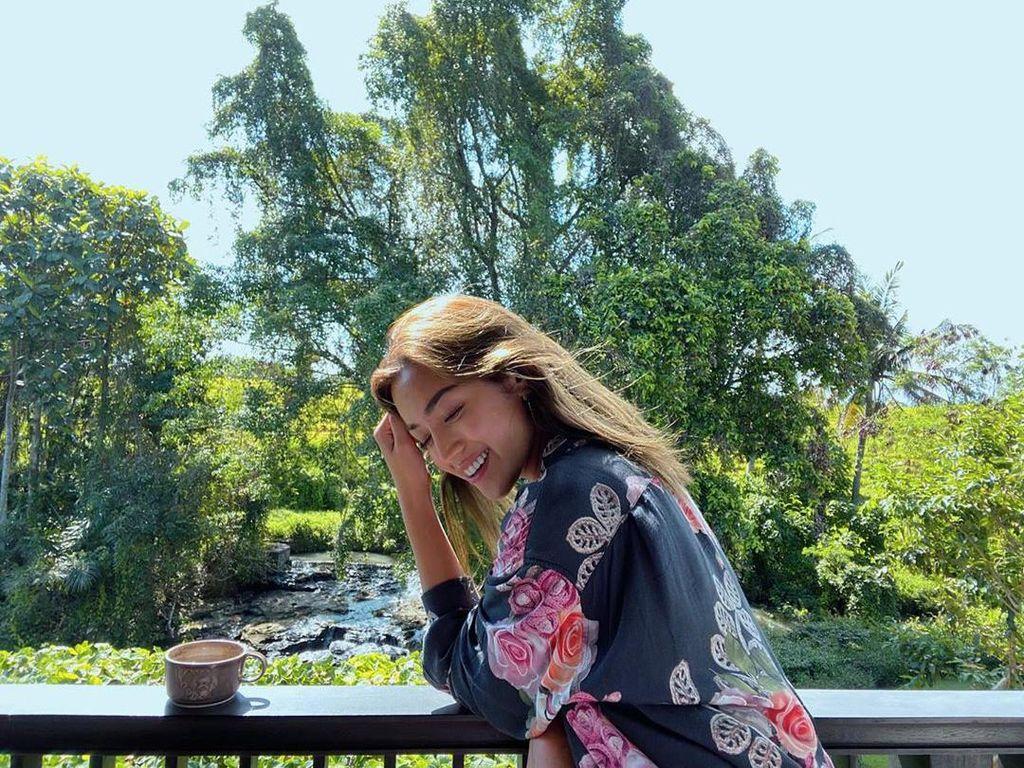 El Barack Tulis Surat Cinta untuk Jessica Iskandar