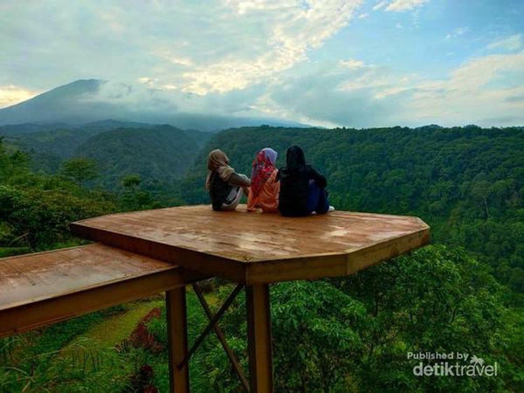 Rekomendasi Kemping Ceria, Datanglah ke Lingkung Gunung Bogor
