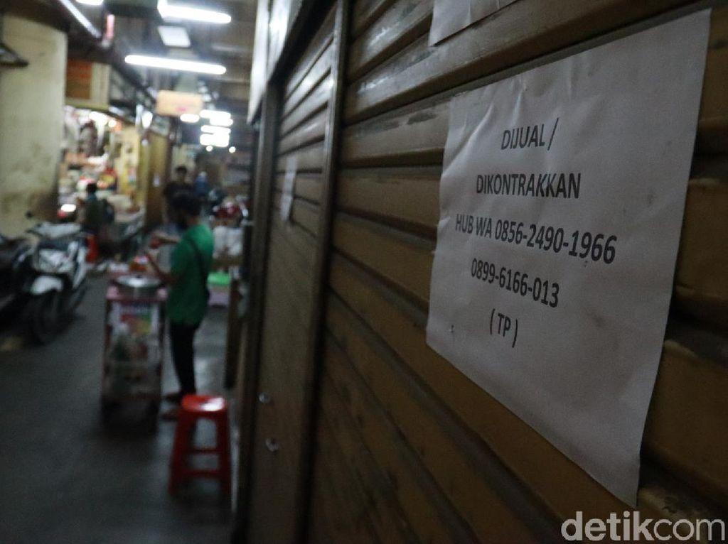 Sepi Pembeli Gegara Corona, Pedagang Tinggalkan Pasar Baru Bandung