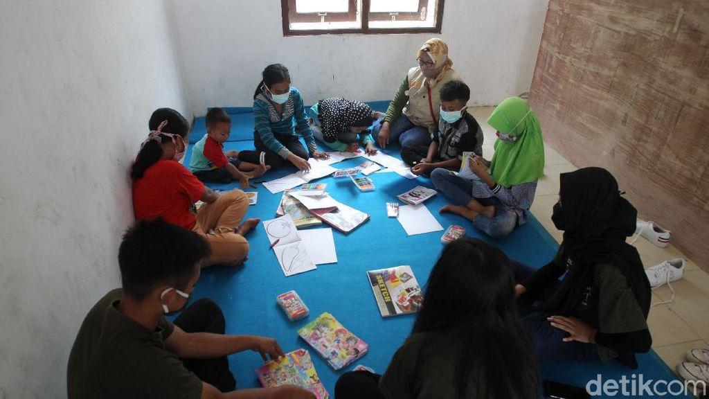 Semangat Belajar Anak-anak Pengungsi Merapi