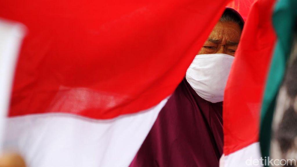 Warga Sukoharjo Rayakan Hari Pahlawan di Posyandu Lansia