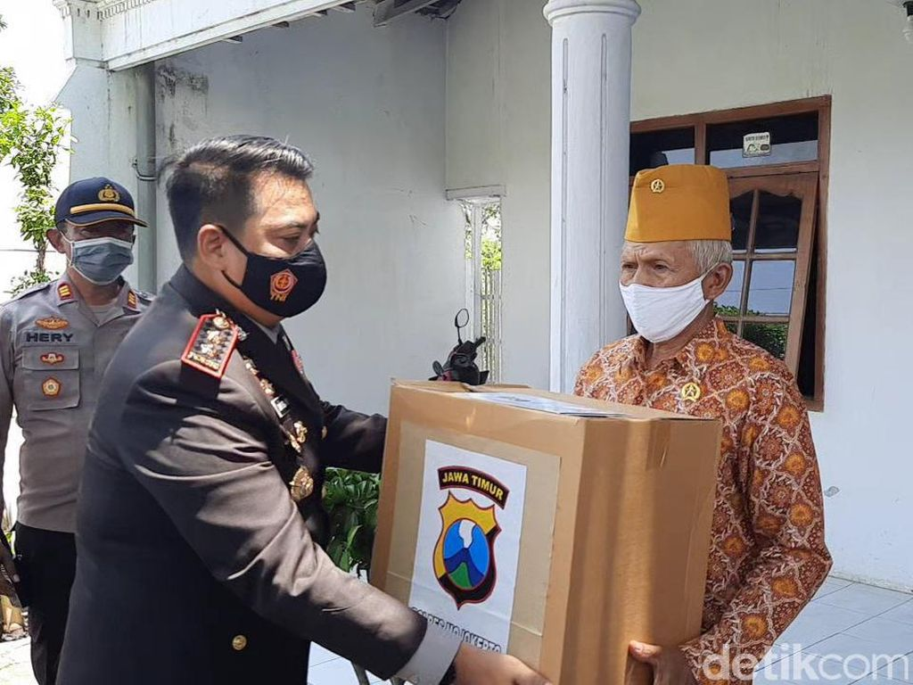 Berkah Hari Pahlawan Bagi Para Veteran dan Pejuang COVID-19 di Mojokerto