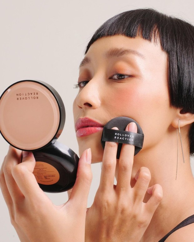 Hadirnya Rollover Reaction sebagai produk kosmetik lokal ternama Indonesia.