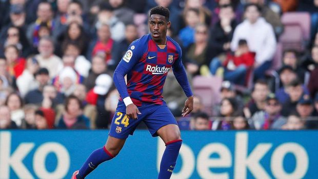 BARCELONA, SPAIN - FEBRUARY 15: Junior Firpo of FC Barcelona controls the ball during the Liga match between FC Barcelona and Getafe CF at Camp Nou on February 15, 2020 in Barcelona, Spain. (Photo by Eric Alonso/Getty Images)