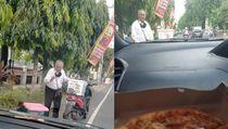 Bermodal Motor, Kakek di Bali Ini Semangat Jualan Pizza