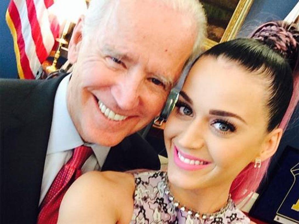 Katy Perry Dihujat karena Hubungi Keluarganya yang Pilih Trump