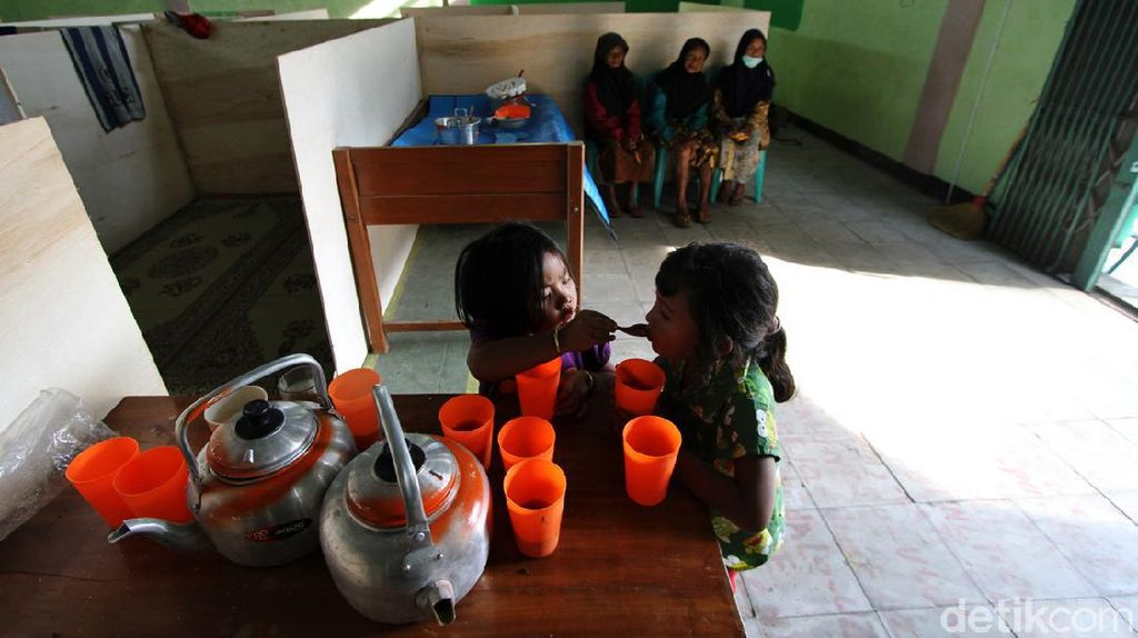 Menengok Aktivitas Pengungsi Merapi di Tlogo Lele Boyolali
