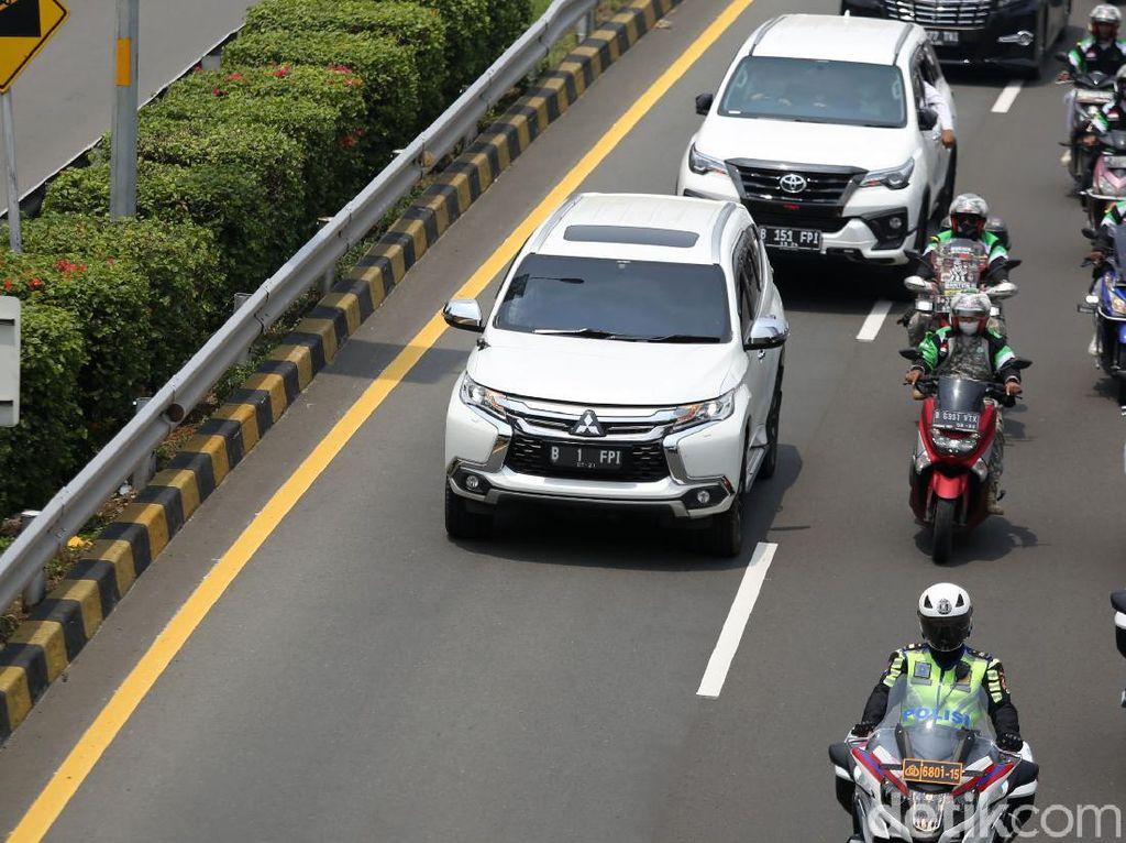 Habib Rizieq Dijemput Mobil Pelat B 1 FPI, Segini Biaya Bikinnya