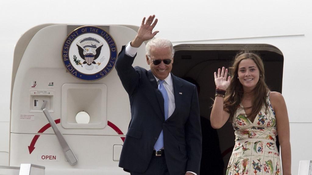 Foto: Naomi Biden, Cucu Tertua Joe Biden yang Punya Paras Cantik