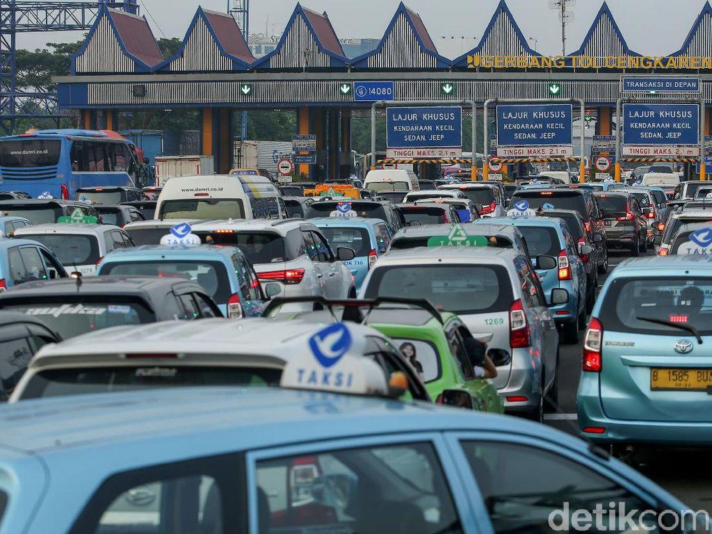 Akses ke Bandara Soetta Macet, Semua Penerbangan Delay 4 Jam