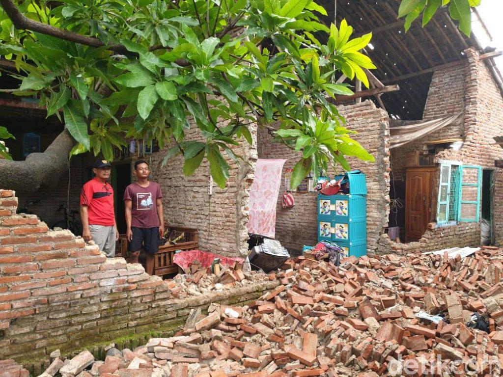 Puluhan Rumah di Brebes Rusak Diterjang Puting Beliung