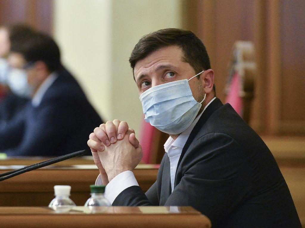 Presiden Ukraina Dinyatakan Positif Corona