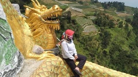 Wisata nepal van java 169