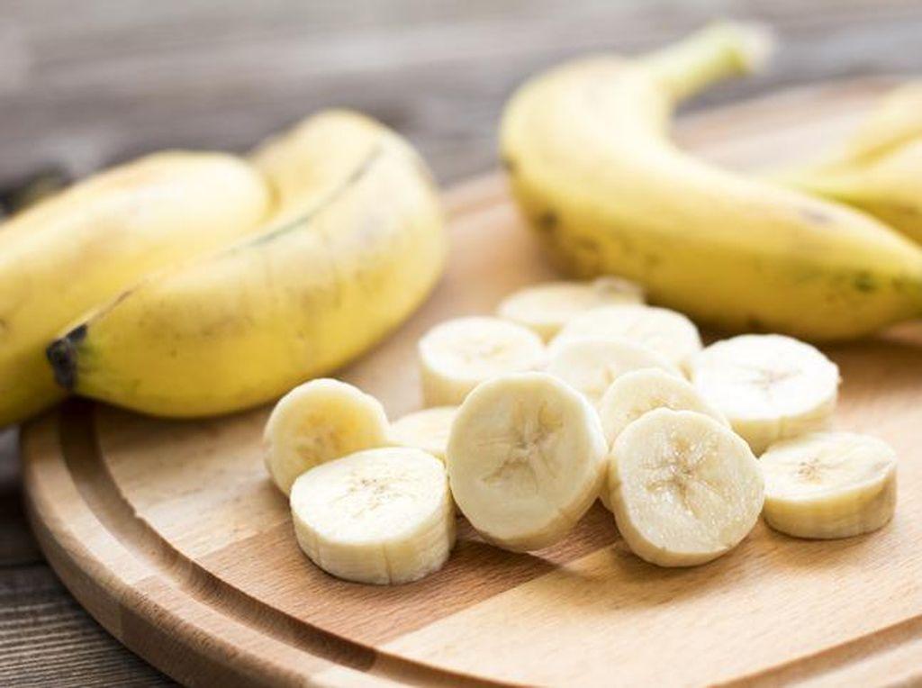 5 Buah Tinggi Kalori yang Bisa Bikin Berat Badan Naik