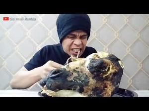 5 Momen Mukbang Kepala Hewan, dari Kepala Babi hingga Kepala Unta 4,5 Kg!