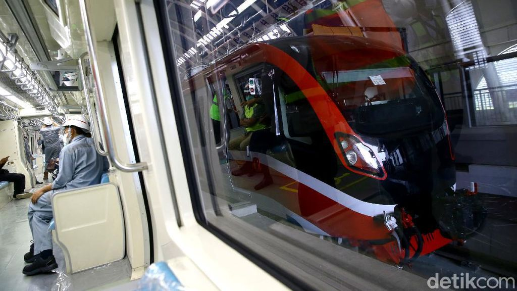 Seperti Ini Jeroan Gerbong LRT Jabodebek