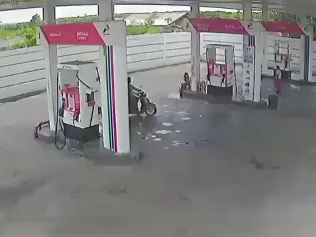 Kesaksian Pegawai soal Pria Berjaket Ojol Todongkan Pistol di SPBU Denpasar