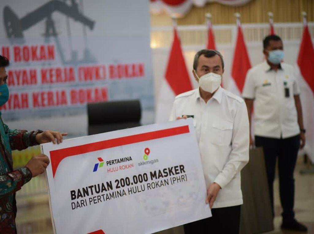Pertamina Hulu Rokan Beri Bantuan 200 Ribu Masker ke Pemda Riau