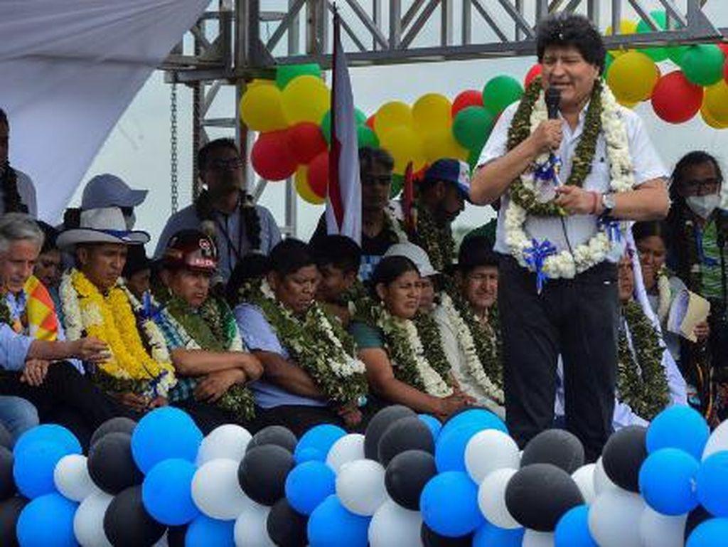 Morales Kembali dari Pengasingan, Tur Mudik dari Perbatasan Argentina