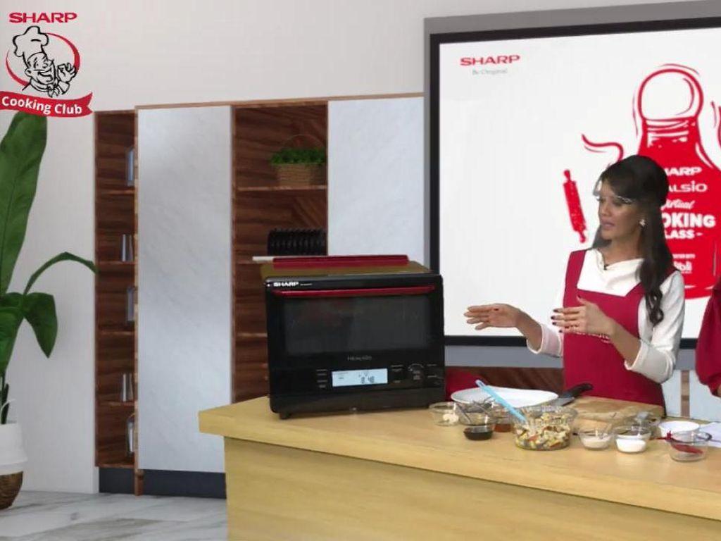Suka Masak? Ini 3 Tips Pilih Peralatan Masak Ala Farah Quinn