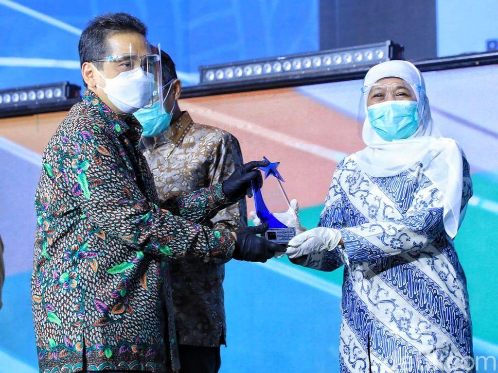 Pemprov Jatim Raih Penghargaan Kategori Peduli Perlindungan Konsumen
